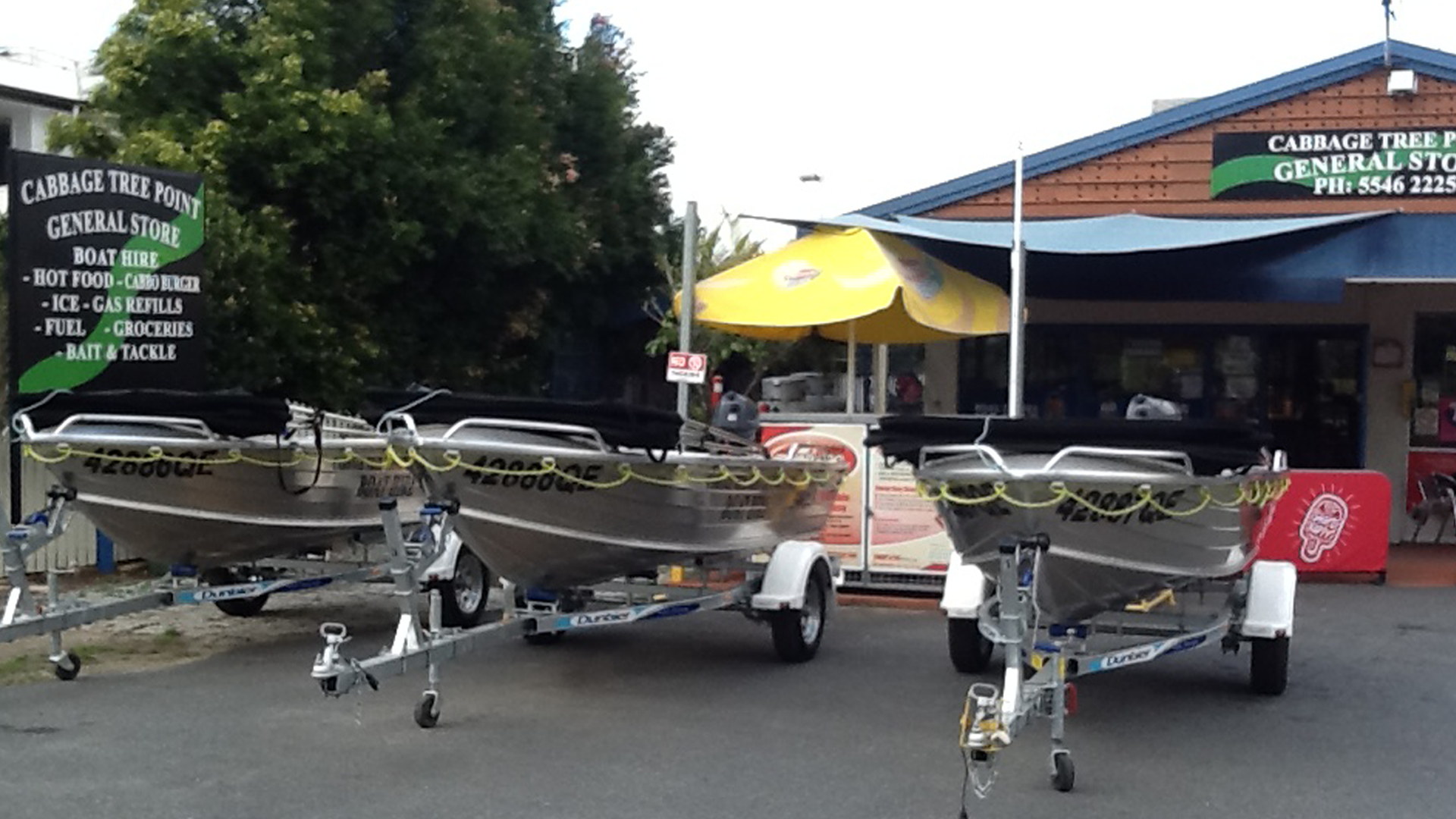 Cabbage Tree Point General Store and Boat Hire